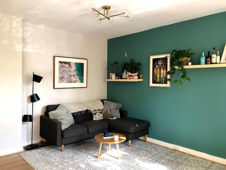 Quiet, cosy and leafy Malvern apartment