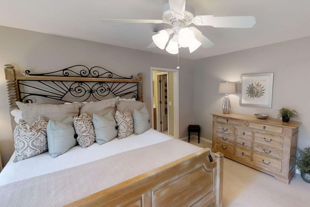 Master Bedroom with king size bed opens to on-suite bath and large walk in closet.