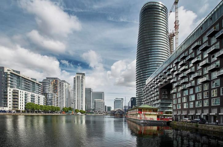 💜 Superb Private Room in Canary Wharf ★★★★★ P3