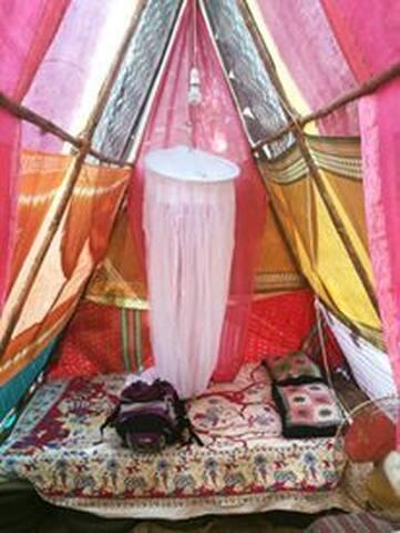 Gypsy tents at Cirrus, Anjuna - Anjuna - Tienda de campaña