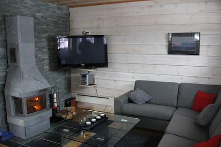 Moderne hytte med gode fasiliter - Stranda - Cabana