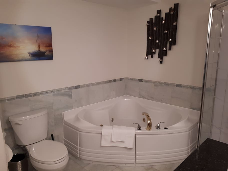 Jacuzzi Tub, with separate shower