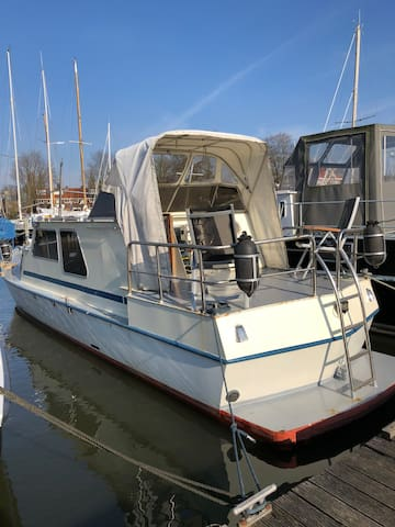 Wonderful boat stay for a couple or friends