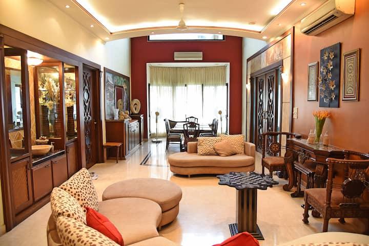 ❤️of the City,2 bedrooms,Wifi,En-suits,AC,Balcony!