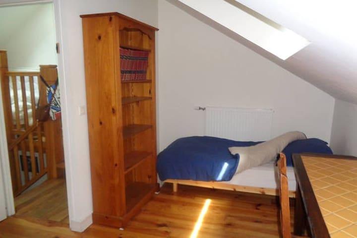 Chambre escalier, sauna - Igny