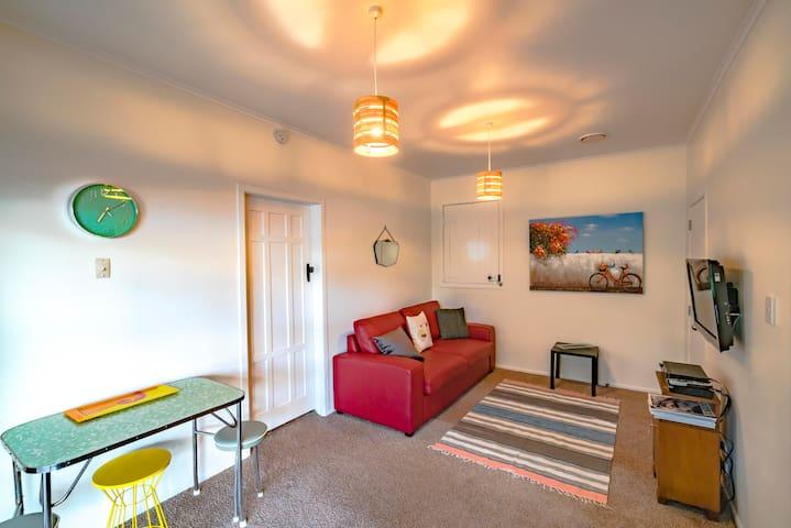 Mount Two Room Beach Haven - เทาแรนกา - บ้าน