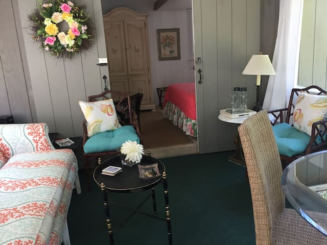 Weekends in Osterville- The Wianno Guest House