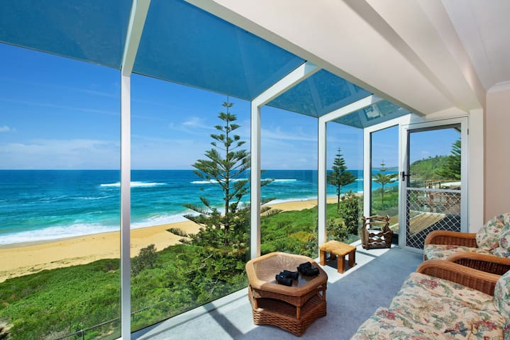 FABULOUS FORRESTERS - Family - Forresters Beach - Ev
