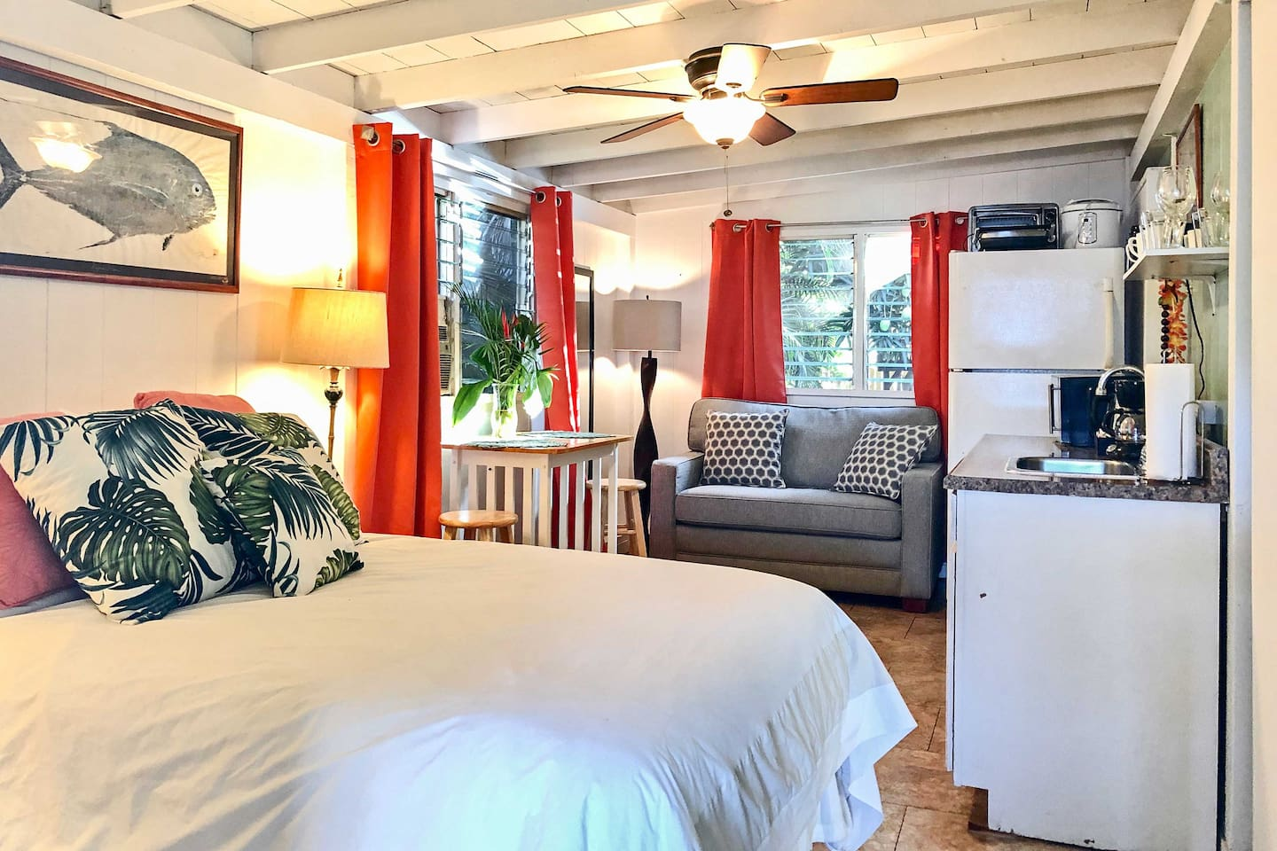 Your personal paradise awaits at this vacation rental studio in Waialua.