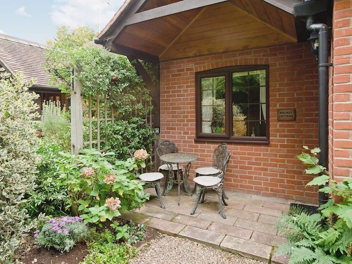 Walnut Cottage - 17615 (17615)