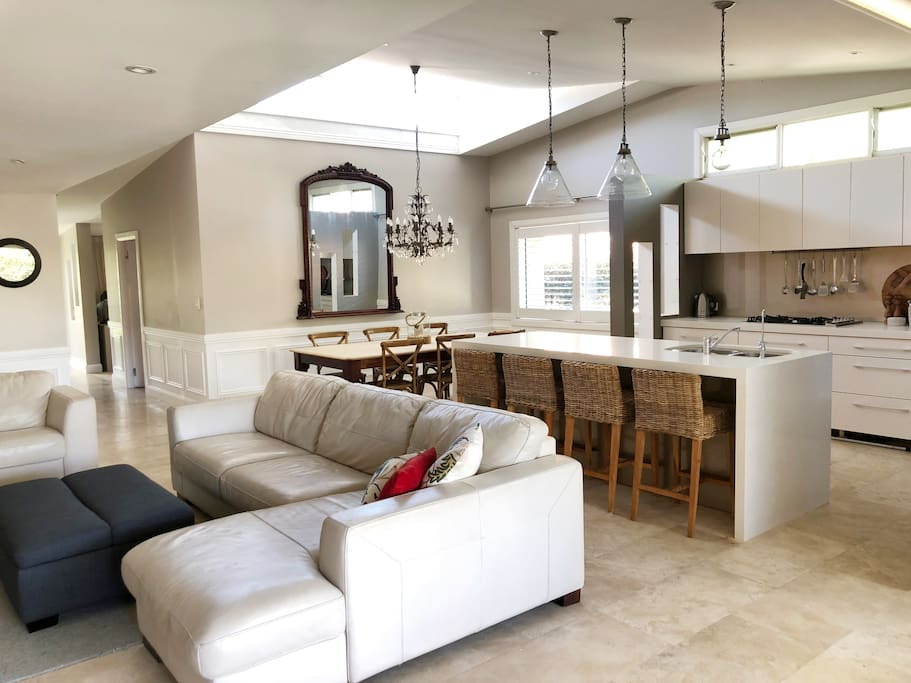 Open Plan Living - Light and Spacious