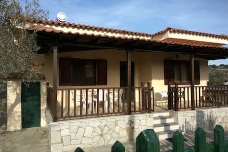 Ioannis Stagkonis Apartment 2 Sithonia - ฮัลกิดิกิ - บ้านพักตากอากาศ