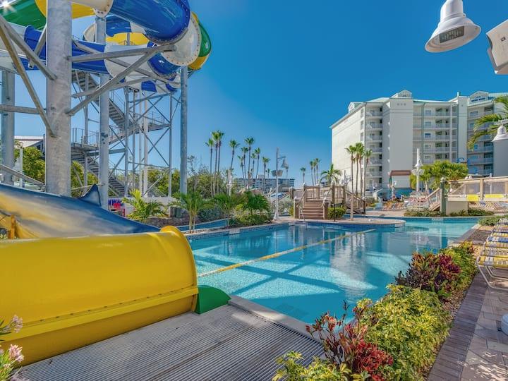 Family Beach Fun, Water Park access! 2/2 condo!