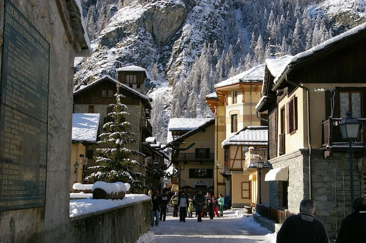 Inverno e sci a Gressoney Saint Jean - Aosta Valley - Huoneisto