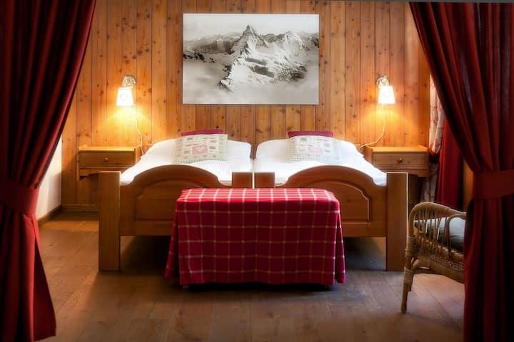22 SUMMITS Apartments 2-beds-Studio, 10