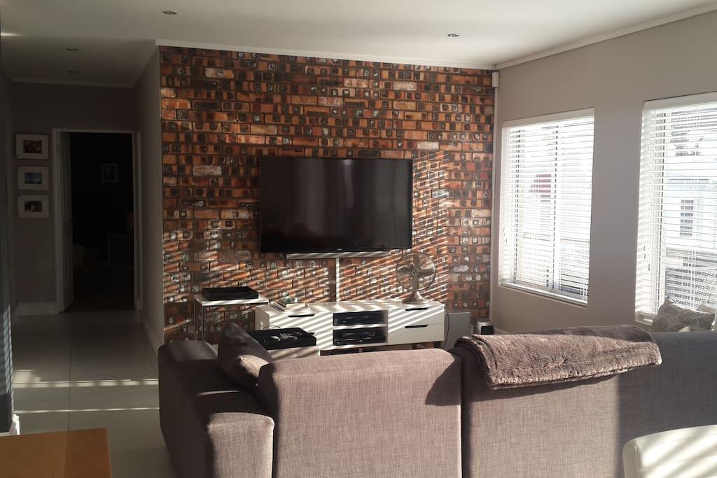 Open Plan Living Room Space 2