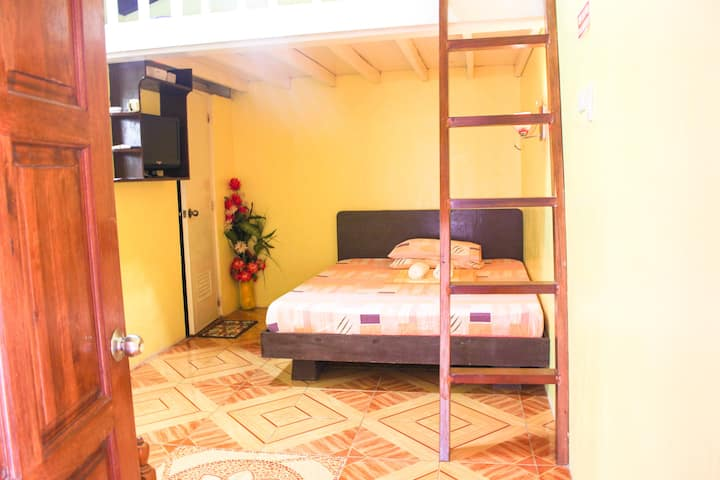 Comfortable Room w/Kitchen & Pool near Alona -RM 6