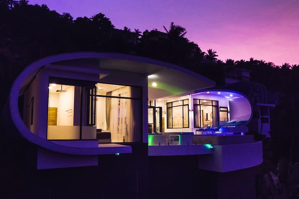 INFINITY Unique design Villa by Night