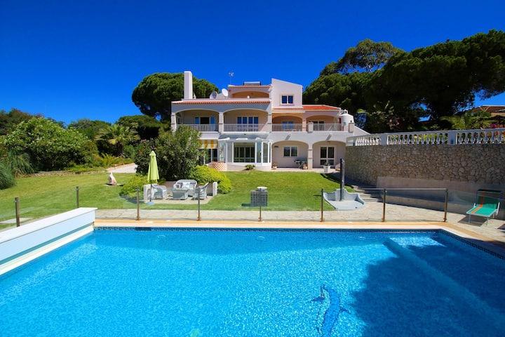 Villa Grande, Luxury, Pool, Sauna & Tennis