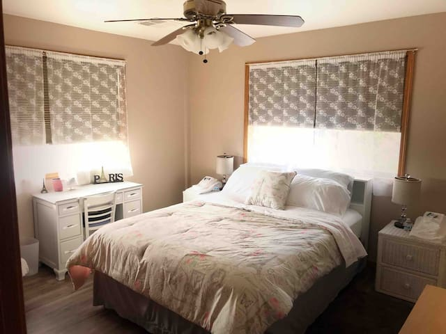 Peaceful room in Prescott Valley countryside