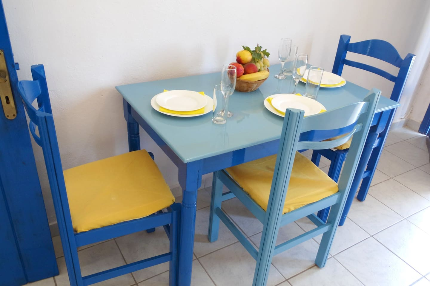 Anavaloussa- apartment by the beach - Apartments for Rent in ...