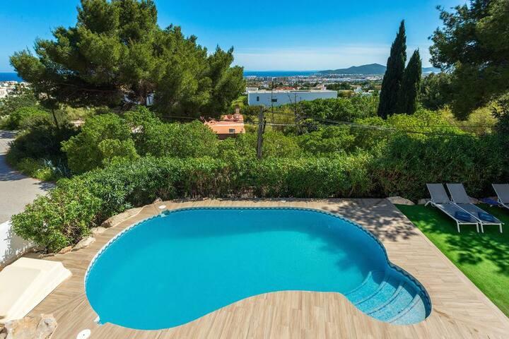Villa con impresionantes vistas al mar y Dalt Vila