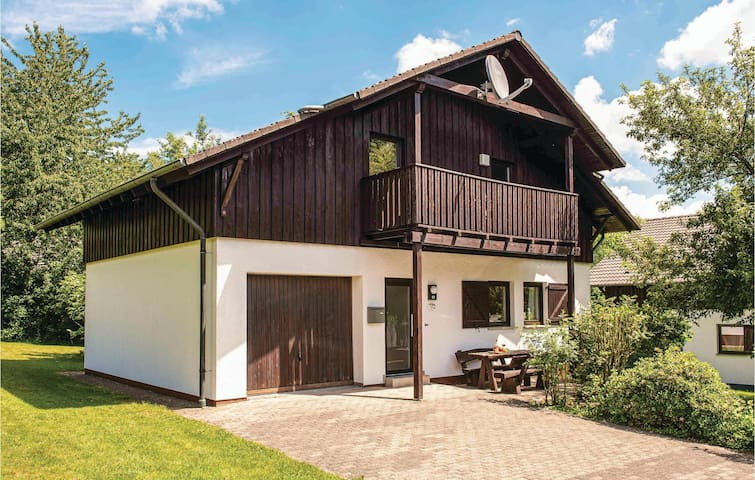 Holiday cottage with 4 bedrooms on 110m² in Thalfang