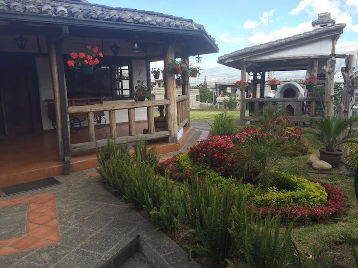 Country House in Quito - Cumbaya . Near to USFQ