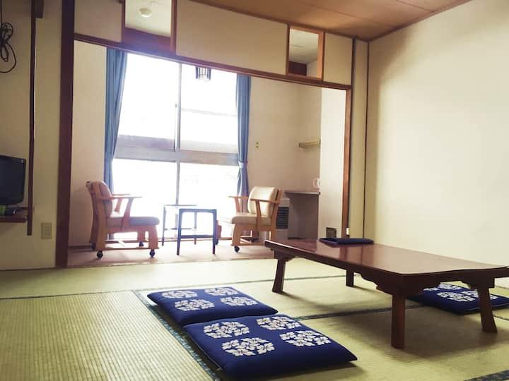 Annex 2F Japanese Room 3 people
