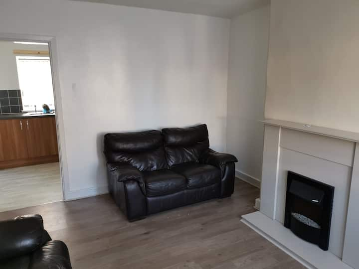 Lovely Double Bedroom - 13mins to Salford Quays.