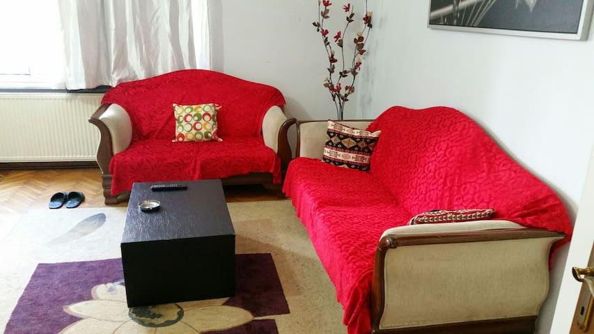 Near the Cevahir AVM rent apartment - istanbul şişli 19mayis mah. - Wohnung