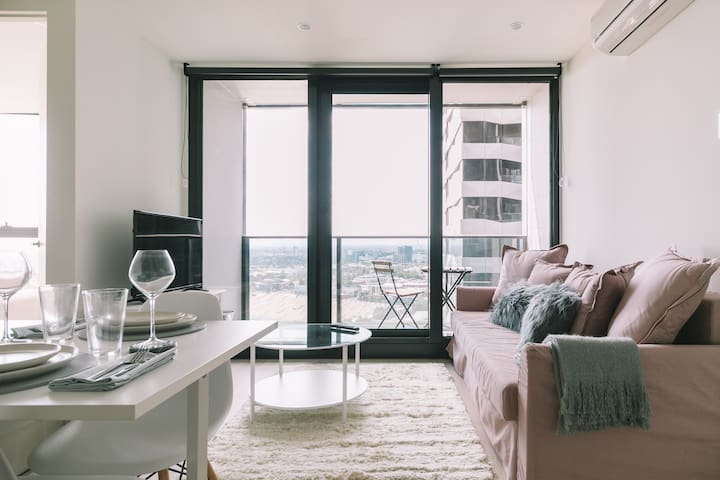 Airbnb Luxury Skyline Rooms Melbourne