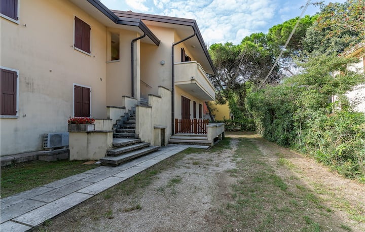 Holiday apartment with 1 bedroom on 35m² in Rosolina Mare RO