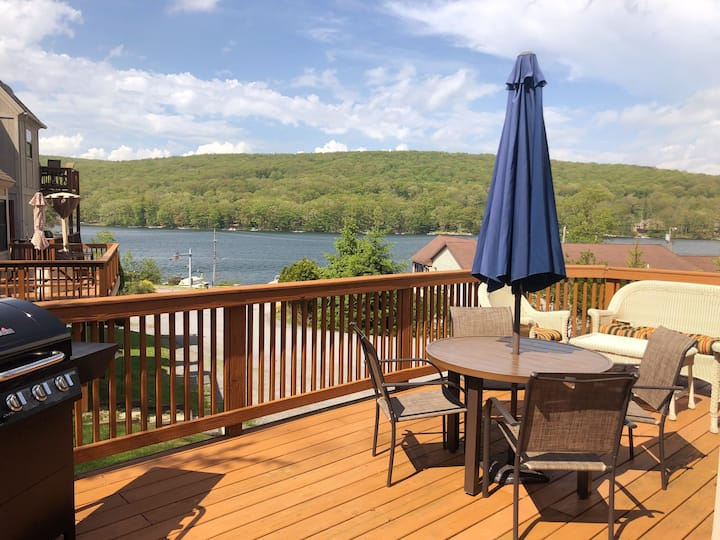 Lake view condo with wood fireplace!
