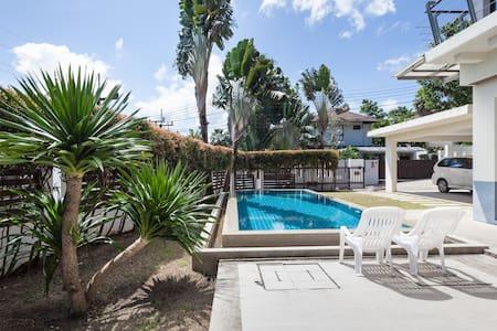 Luxury 3-BR Pool Villa @ Loch Palm with Golf Views - カトゥー - 別荘