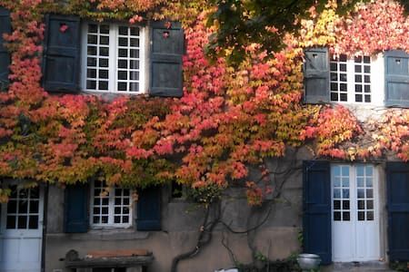 Etage mansardé, bien aménagé, 3 chambres - Saint-Chamond