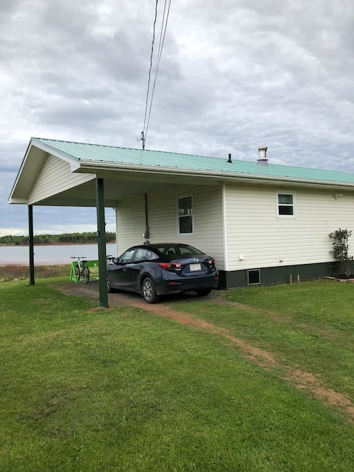 Cottage car port