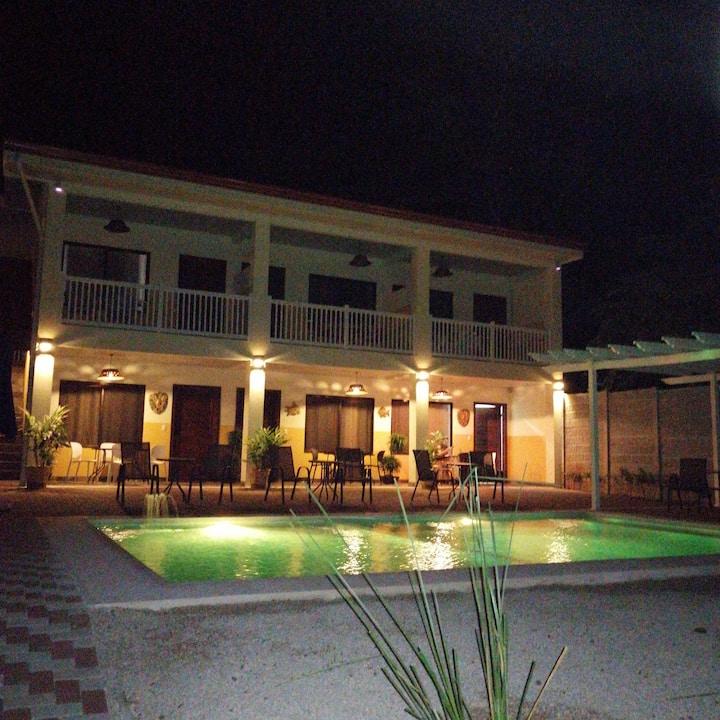 Apartamento privado en hotel con 2 piscinas
