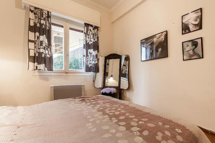 Cosy apartment and 2 bikes!! - Athens - Apartment