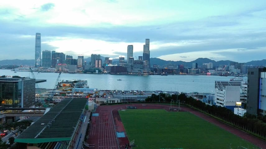 Spectacular Harbor View On The Heart Of Wan Chai