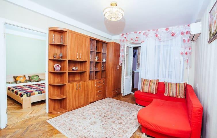 Home Apartment in Pechersk District, Kiev center.