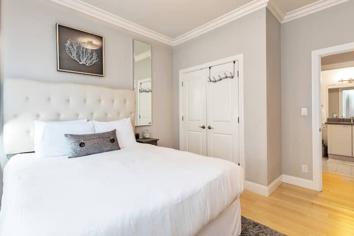 Upscale Private Ensuite Bed & Bath in Nob Hill