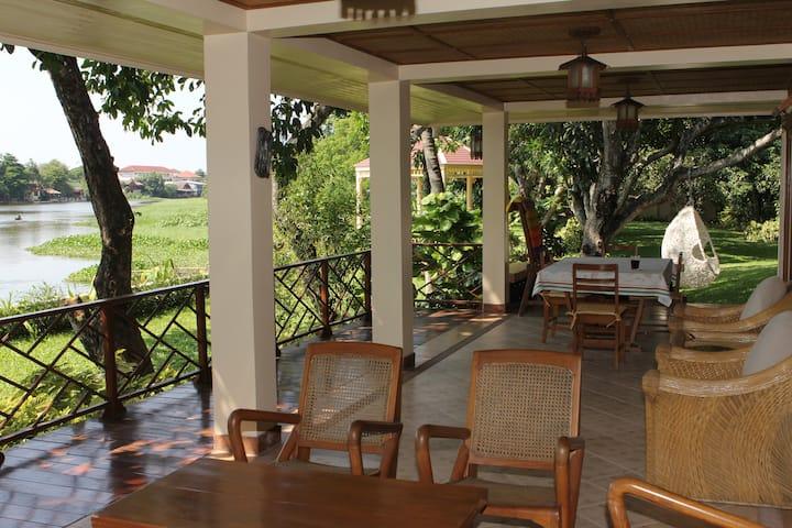 Chiangmai River-Garden House