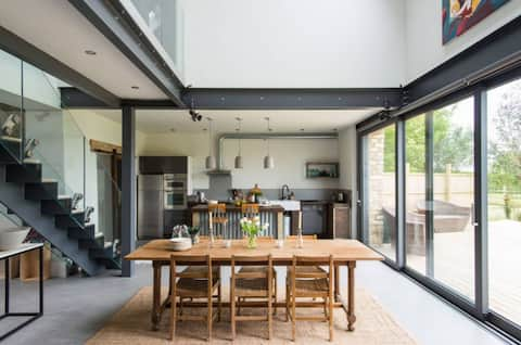 Contemporary Cotswold Barn, Burford