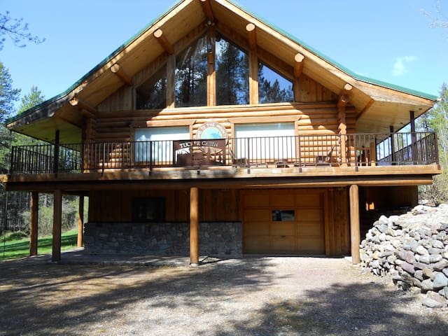 The Tucker Lodge - 2.5 miles from Glacier Park - West Glacier - 로프트