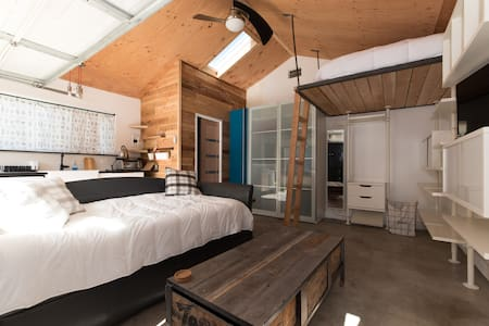 Rustic Studio Loft Backhouse - Long Beach