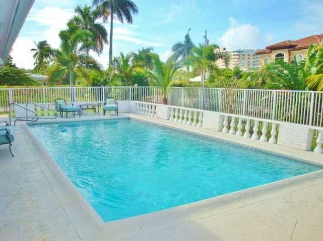 TROPICAL PARADISE BY THE SEA - WALK TO BEACH - Lauderdale-by-the-Sea - Casa