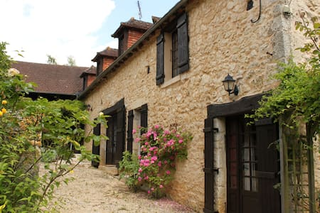 La Grange des Taloches, Luxury Barn & Private Pool - Tourtoirac