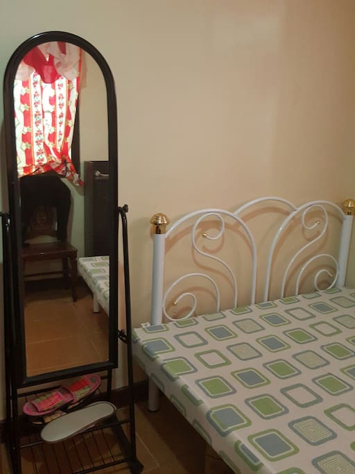 Guest room (beddings and pillows are also available)