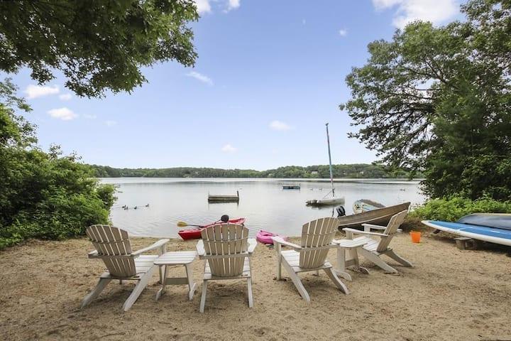 Private beach & boats: Historic Mystic Lake House